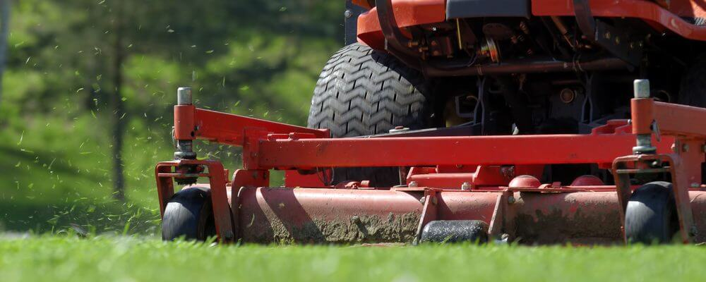 Lawn Mower Safety Tips | Bryan's Fuel Orangeville