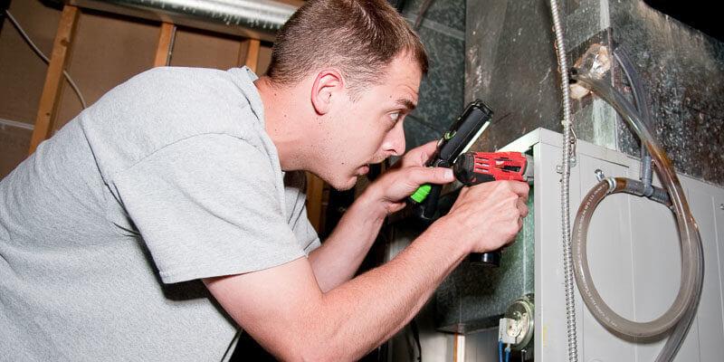 Bryan's Fuel technician